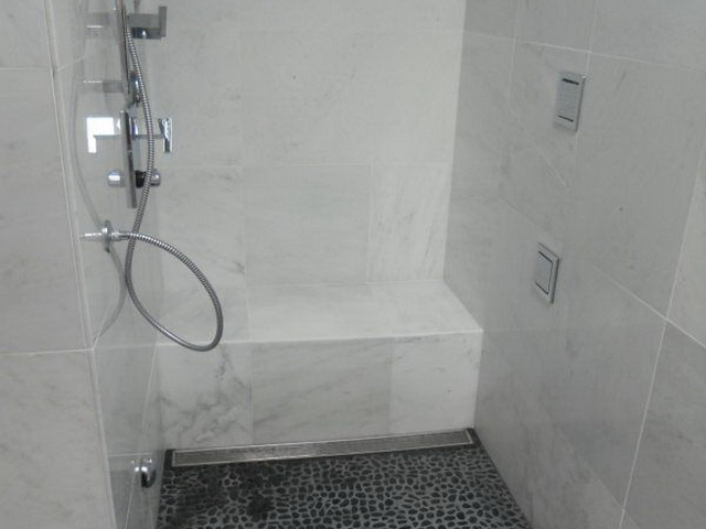 Bathroom 09