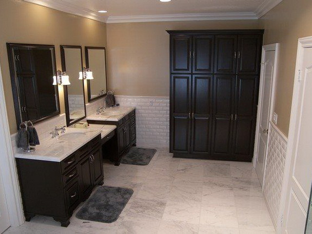 Bathroom 13